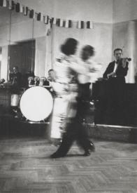 Zofia Chomętowska - ludzie tańczący w nocnym klubie, lata 30